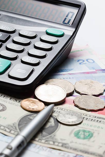 geld und rechner - pengpeng stock-fotos und bilder