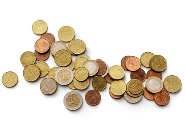 geld: euro-münzen auf weißem hintergrund isoliert - euros cash stock-fotos und bilder