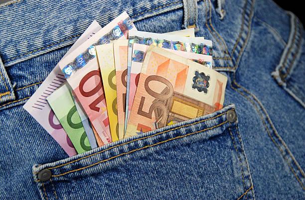 Geld in der Tasche – Foto