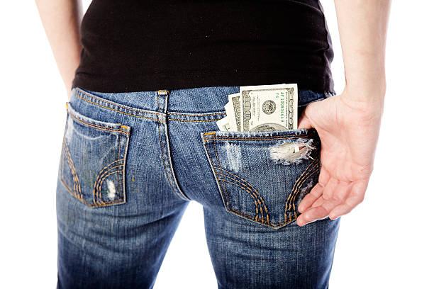 Dinheiro no bolso - foto de acervo