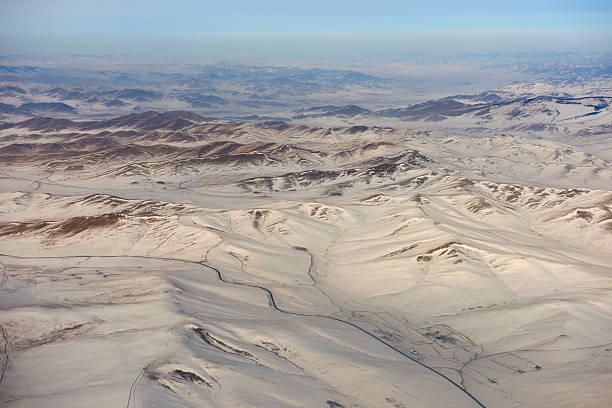 mongolski widok z lotu ptaka - półpustynny zdjęcia i obrazy z banku zdjęć