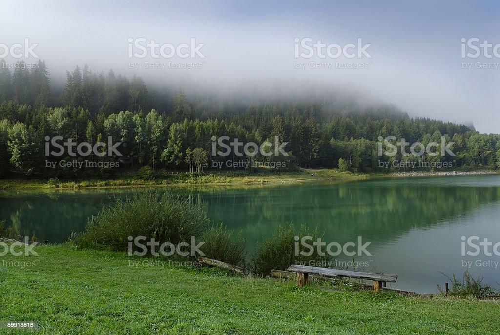 Monguelfo Озеро (Puster Долина-Италия Стоковые фото Стоковая фотография
