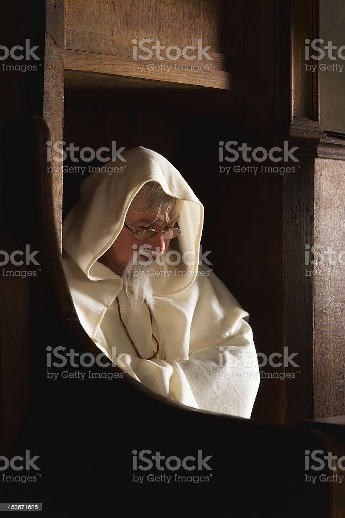 Monk em coro de assento - foto de acervo
