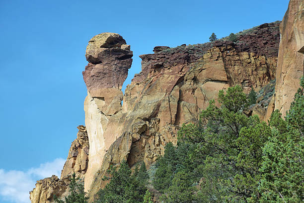 Monkey face, Smith Rock Park View of Monkey Face from Mesa verde trail, Smith Rock Park, Oregon oregon us state stock pictures, royalty-free photos & images