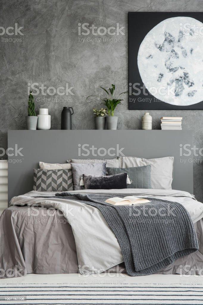 Monochromatische Schlafzimmer Innenraum In Grautonen Mit