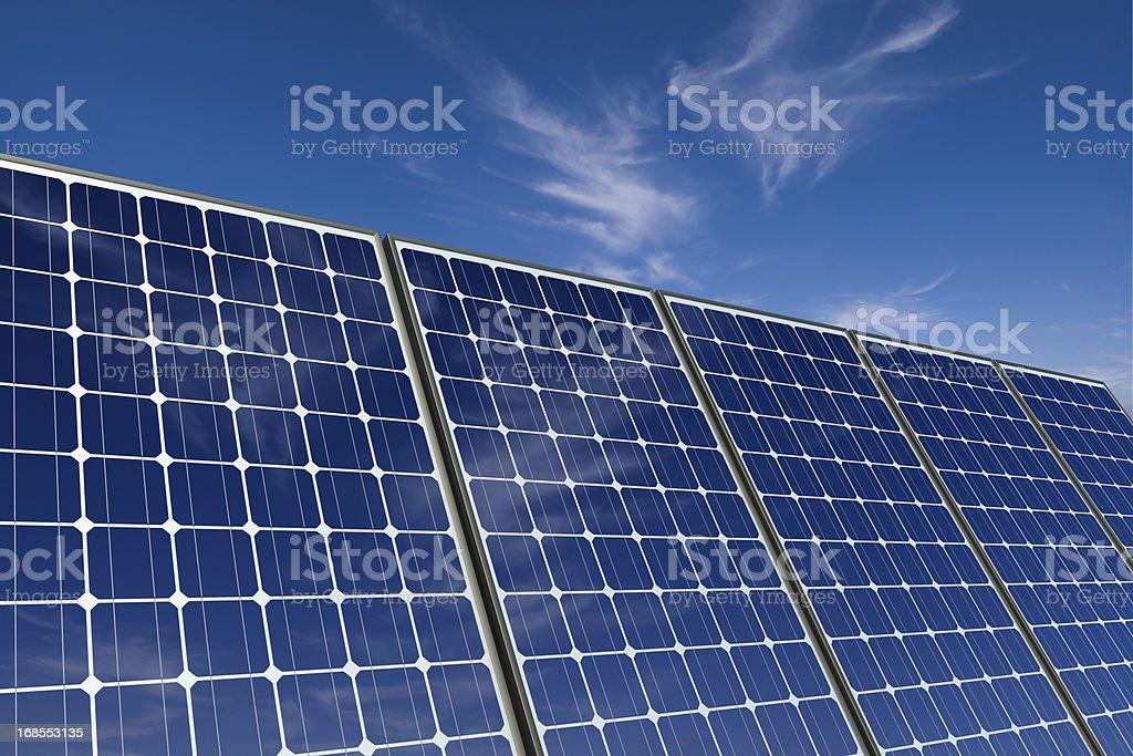 Monocristalino Paneles Solares Contra Un Cielo Azul Foto De