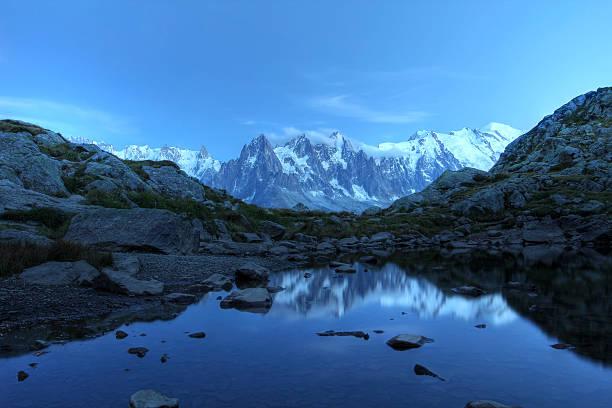 Mont Blanc sous le clair de lune, les Alpes - Photo