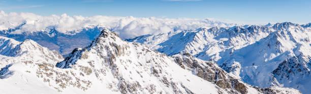 Mont gele summit panorama winter picture id649495604?b=1&k=6&m=649495604&s=612x612&w=0&h=ep6c0tnudvgqpcta89pkfqnoing1zlo97lrmbccvb2y=