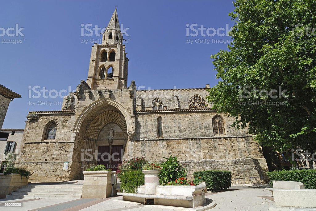 Montagnac (프랑스)-스퀘어 Saint-André 앤시언트 교회 royalty-free 스톡 사진