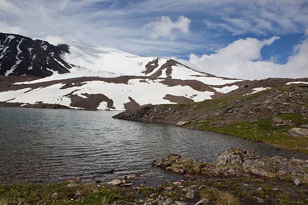 montains lake - państwowy rezerwat przyrody altay zdjęcia i obrazy z banku zdjęć