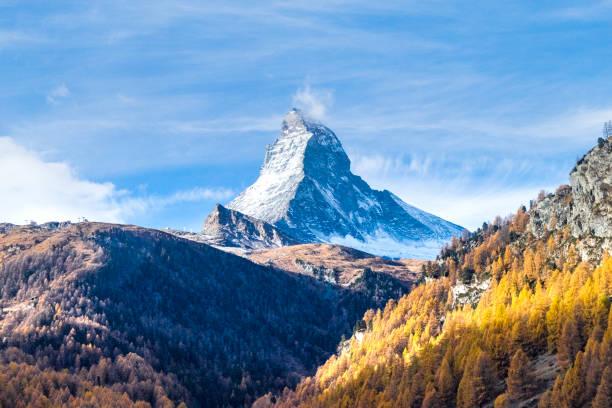 Monte Cervino Svizzera autunno inverno - foto stock