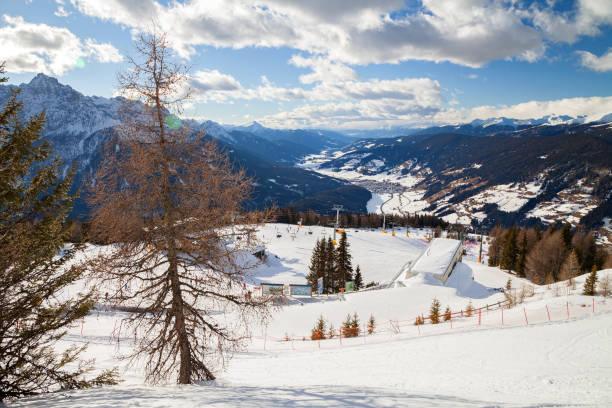 Monte Elmo, Sexten (Sesto), Dolomitas, Italia - Esquí de montaña y snowboard. - foto de stock