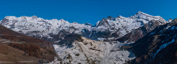 Monte Rosa massif from West Breithorn (4,165 m - 13,665 ft) to Grauhaupt (3,315 m - 10,876 ft) - foto stock
