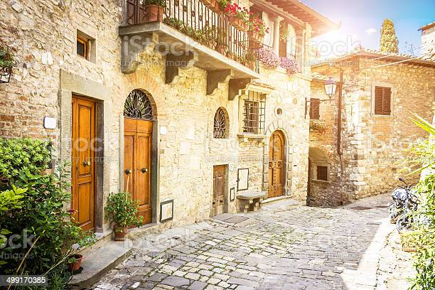 Montefioralle picture id499170385?b=1&k=6&m=499170385&s=612x612&h=cpnnfad5b4aapipyiyes1rk eoi thrisha8kgullze=