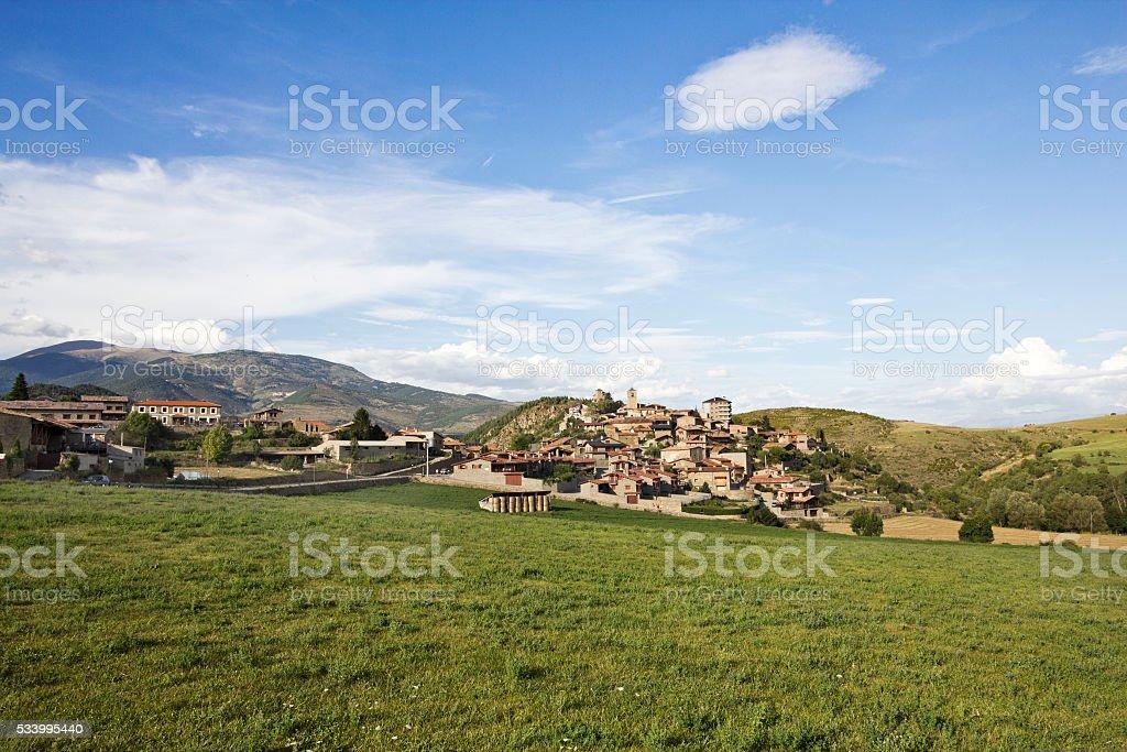 Aldea de Montella, Cerdanya - foto de stock