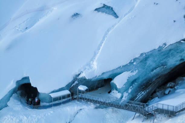 Grotte de glace du Montenvers sur la mer de glace Glacier - Mont-blanc, Chamonix, Alpes Français - Photo