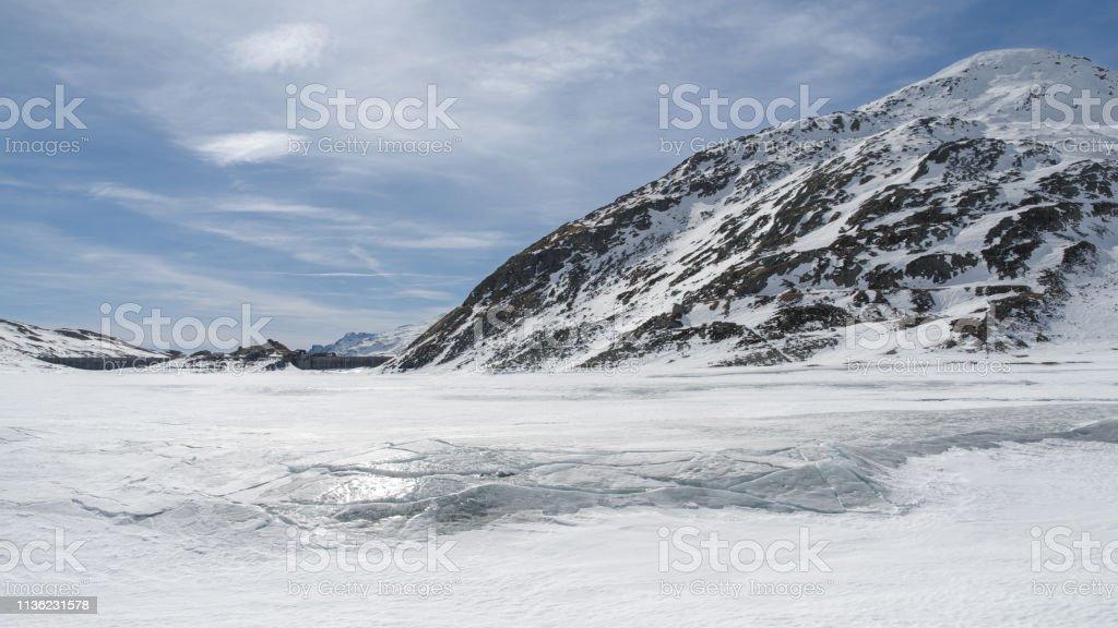 Montespluga Lake, Sondrio, Italy 16:9 - Стоковые фото Без людей роялти-фри