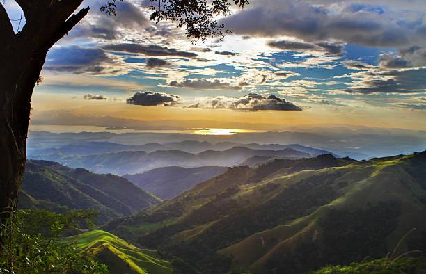 monteverde costa rica landscape towards pacific ocean - costa rica stockfoto's en -beelden