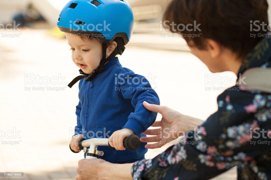 baby bike helmet 12 months