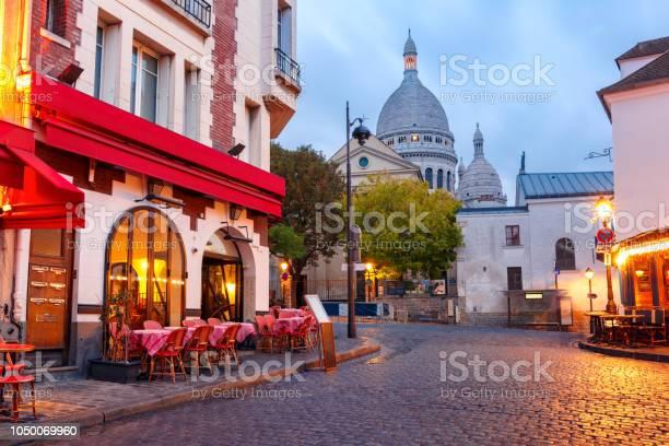 Photo libre de droit de Montmartre À Paris En France banque d'images et plus d'images libres de droit de Antique