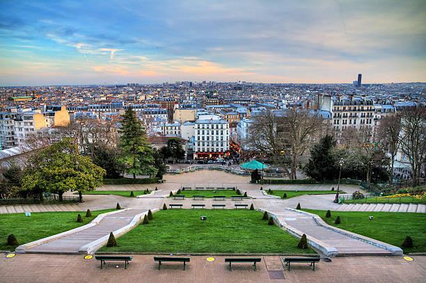 montmartre winter cityscape - montmatre utsikt bildbanksfoton och bilder