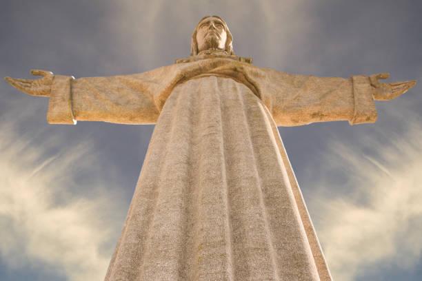 monument of jesus christ. - cristo rei lisboa imagens e fotografias de stock