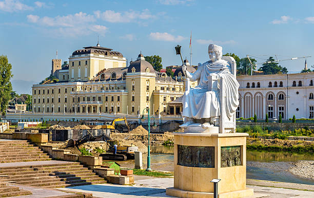 monument of justinian i in skopje - macedonia - üsküp stok fotoğraflar ve resimler