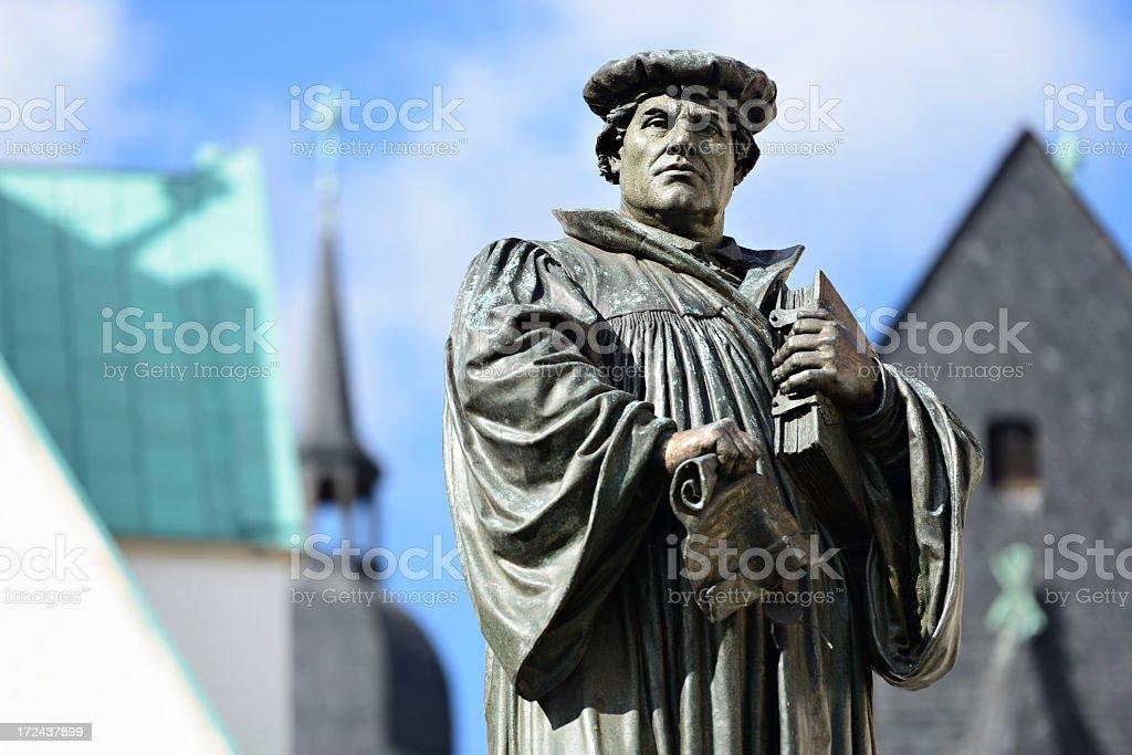 Denkmal der Martin Luther in Eisleben – Foto