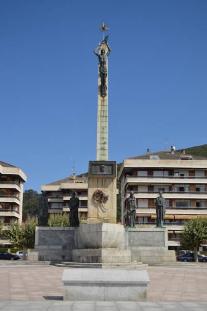 Denkmal für Carrero Blanco auf dem Maritime Walk in Santonia. – Foto