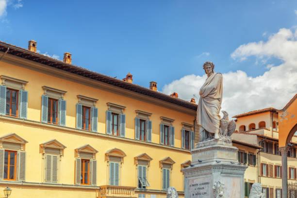 monument to dante alighieri (monumento a dante alighieri) on holy cross square (piazza di santa croce) in  florence - dante alighieri foto e immagini stock