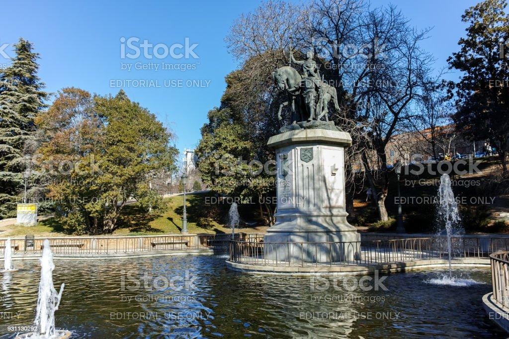 Anıt kraliçesi Isabella ben Katolik Paseo de la Castellana Street City, Madrid, İspanya - Royalty-free Anıt Stok görsel