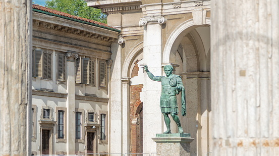 Monument to Roman emperor Constantine I timelapse in Milan, in front of San Lorenzo Maggiore basilica