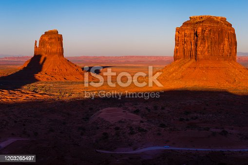 Monument Valley and The Mittens – Arizona with Utah border, USA, America