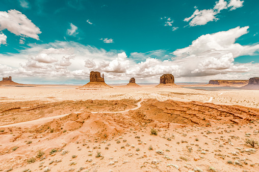 A red-sand desert region on the Arizona-Utah border known for the towering sandstone buttes.