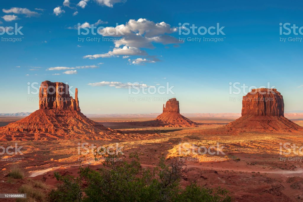 A red-sand desert region on the Arizona-Utah border known for the...