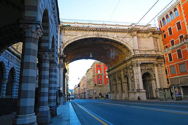 monumental pont à gênes, italie - pont gênes photos et images de collection