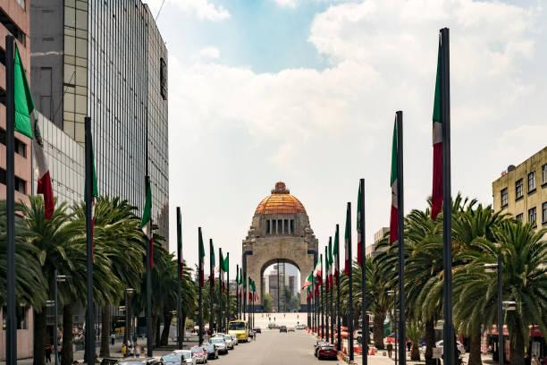 Monumento a Revolução México - foto de acervo