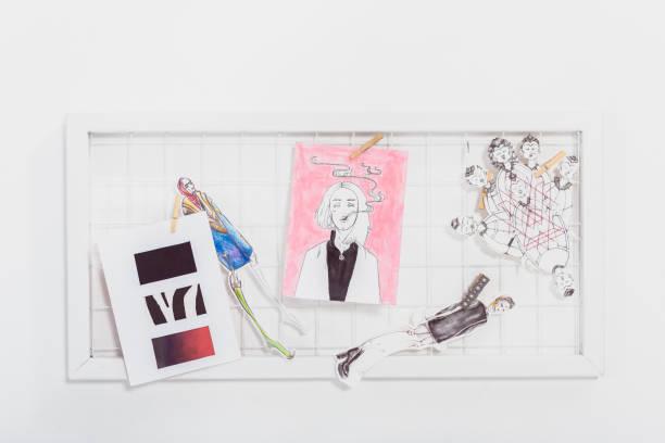 placa de humor com desenhos de moda e ilustrações - mood board - fotografias e filmes do acervo