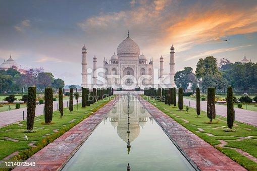 istock Moody Sunrise Twilight Over Taj Mahal in Agra India 1214072543