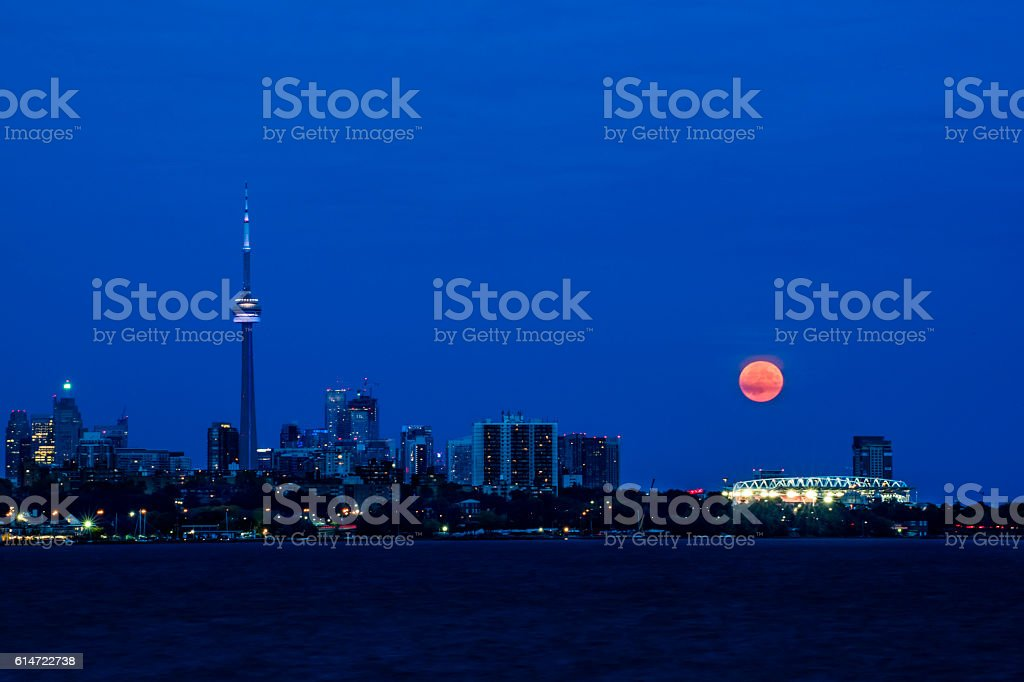 Moon and CN tower stok fotoğrafı