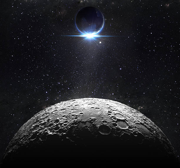 mondoberfläche mit blick auf den sonnenaufgang der erde - mondhoroskop stock-fotos und bilder