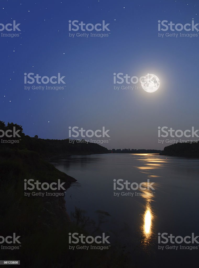 Fiume moonbeam in foto stock royalty-free