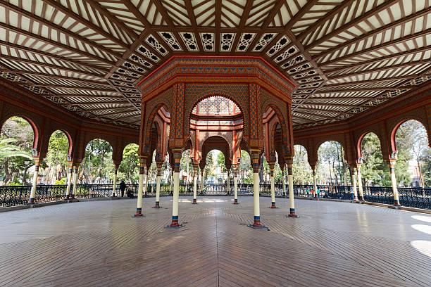 ムーア様式のキオスクでメキシコシティー - ムーア様式 ストックフォトと画像