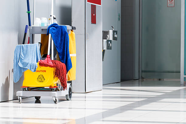 mop bucket and cleaning - custodian stock pictures, royalty-free photos & images