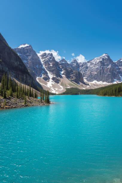 moraine lake, canada - moraine стоковые фото и изображения