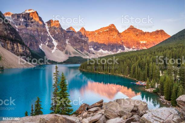 Photo of Moraine Lake Sunrise
