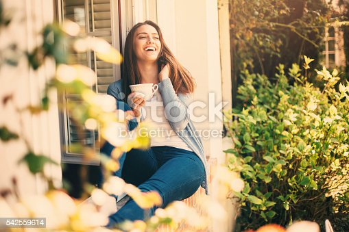 909062786 istock photo Morning at home 542559614