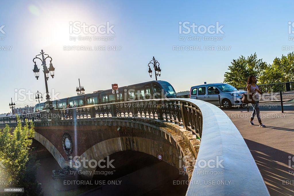 Morning commute, P. de Pierre, Bordeaux - Photo