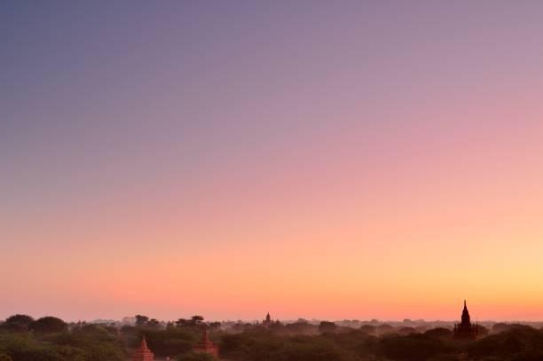 Morgenglühen über Bagan alte Stadt – Foto