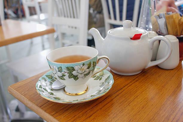 morning hot tea - jasmin party stock-fotos und bilder